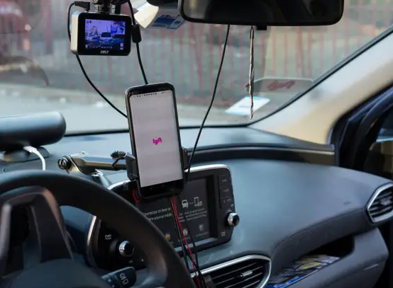 How Are Uber And Lyft Drivers Paid